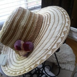 Beachy CHIC Sun HAT With POM POMs Adjustable NEW!